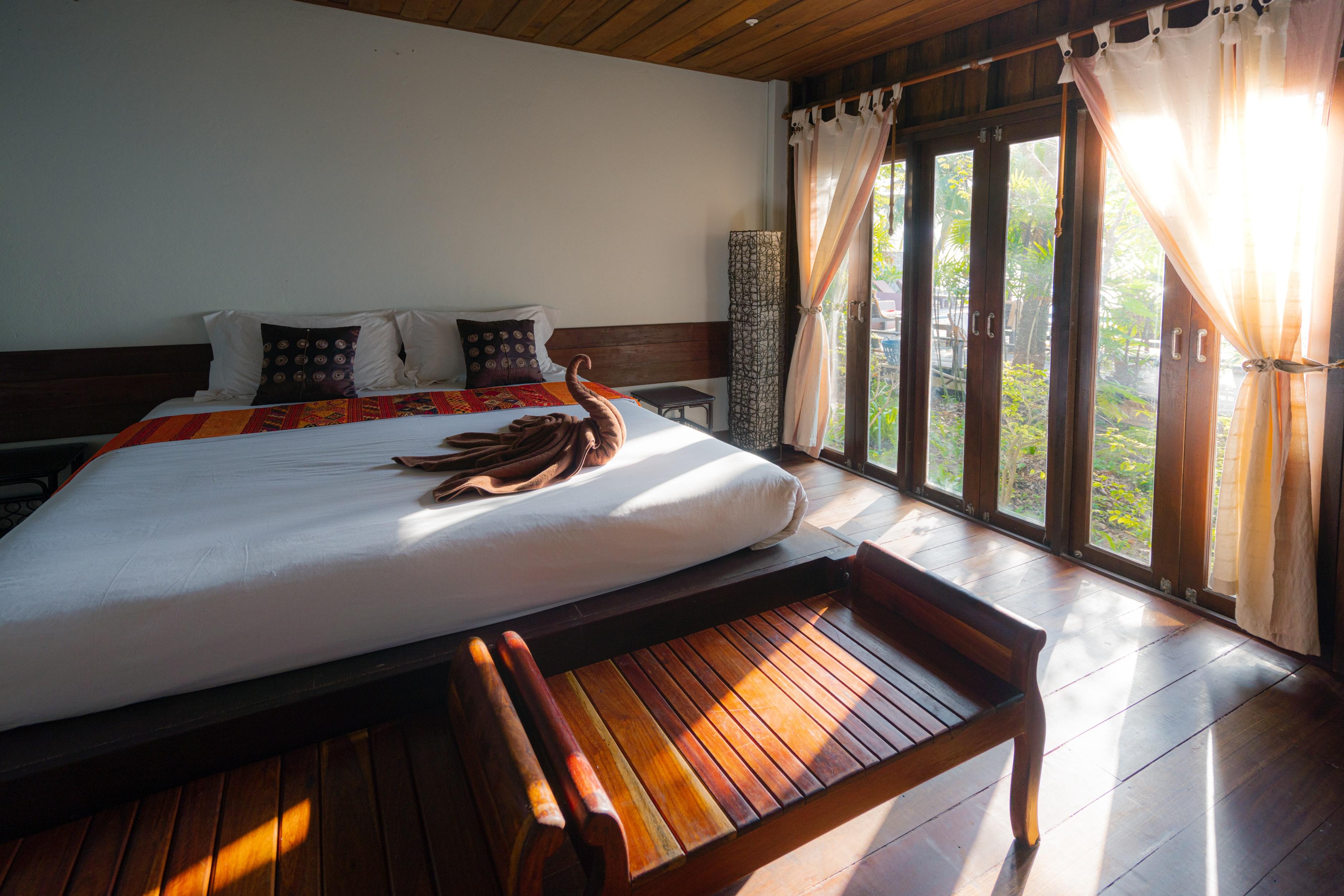 drevena-postel-vegas